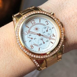 Accessories - Gold watch with little crystals